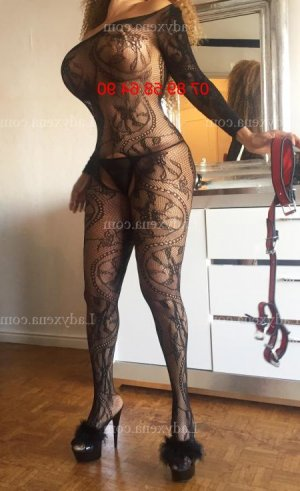 Naely escorte girl massage sexy rencontre libertine à Chécy